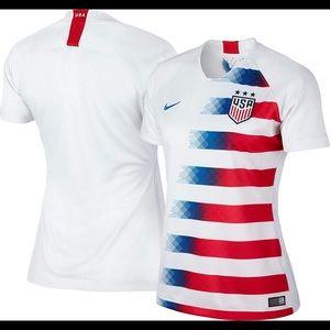 NIKE Women's USA soccer stadium home sports jersey